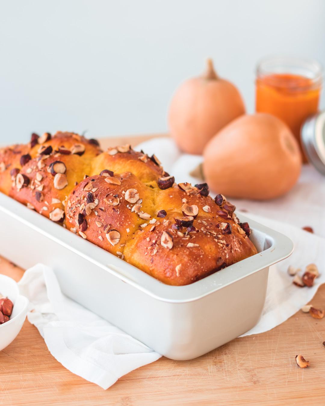 stampo plumcake con pane alla zucca e nocciole
