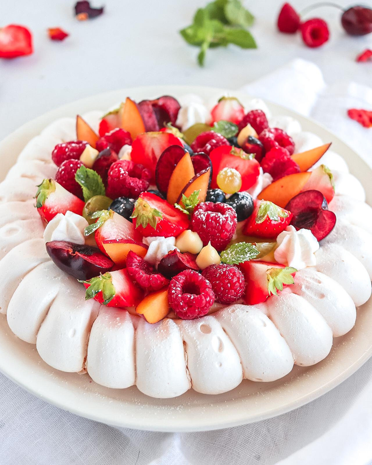 meringata con frutta estiva