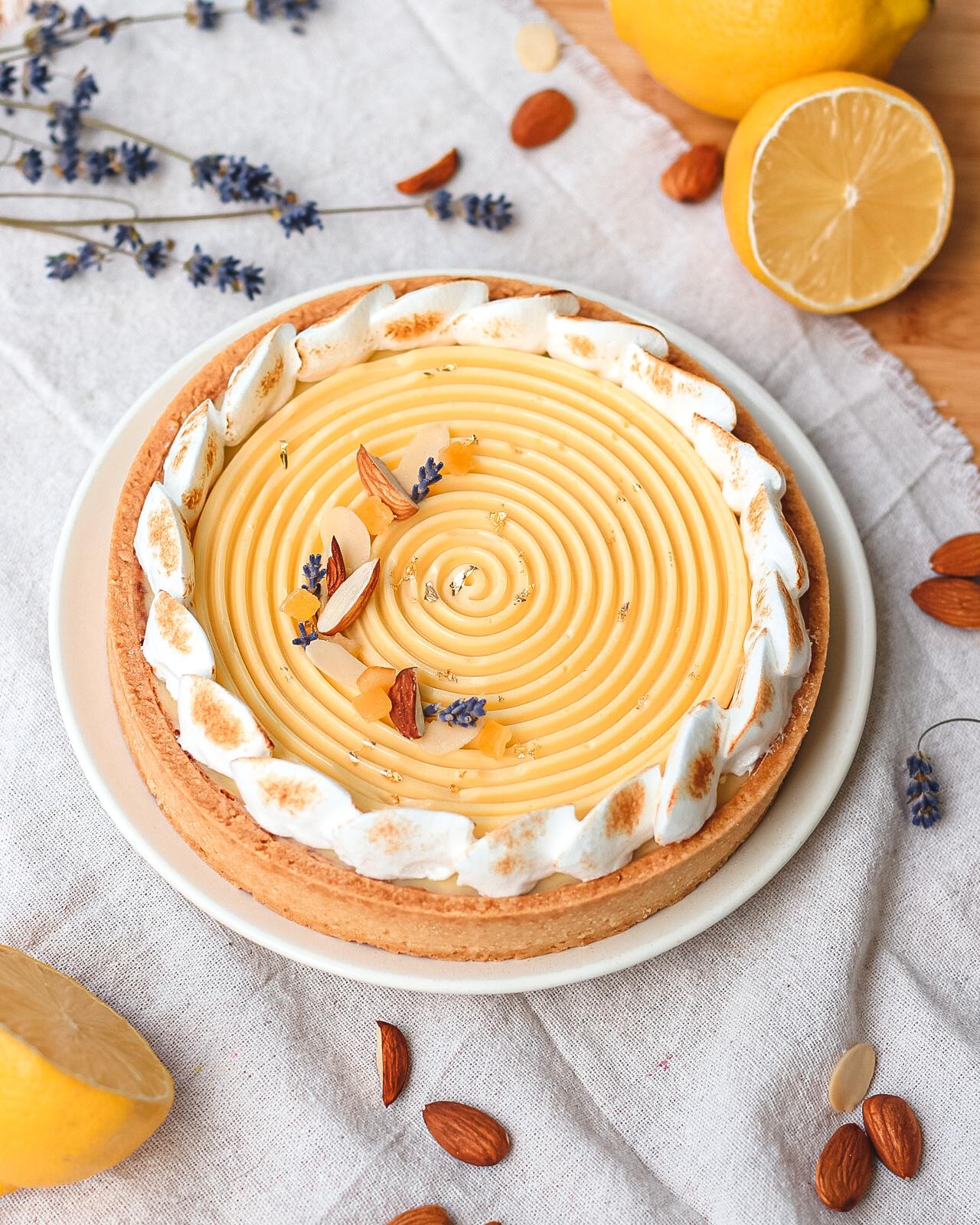 crostata crema limone con mandorle e lavanda